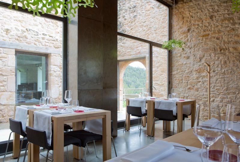 arquitectura_Hotel Consolacion_Teruel_ imagen de cubiculo - zona comedor