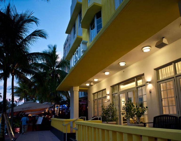 Arquitectura_Hotel Leslie_Art decó_Miami Beach_ iluminación terraza