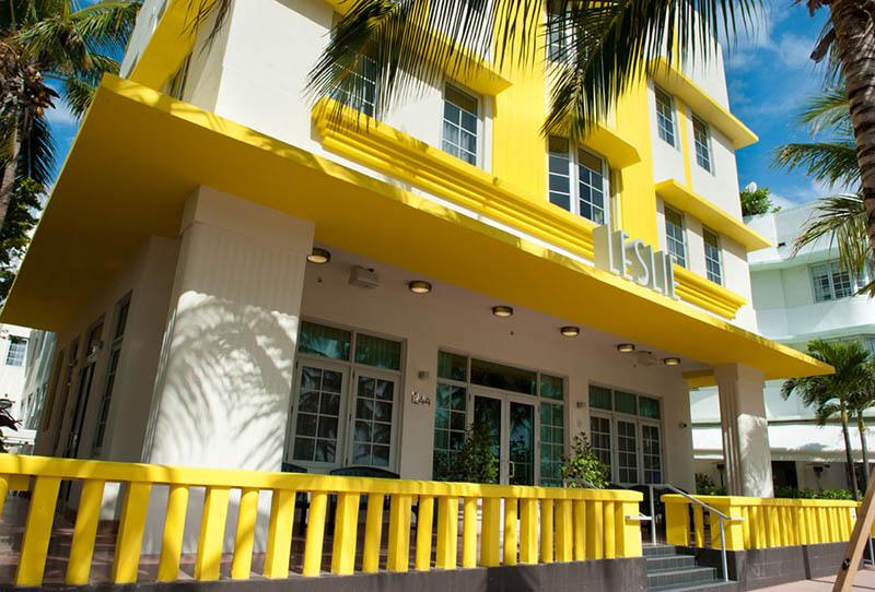 Arquitectura_Hotel Leslie_Art decó_Miami Beach_ acceso y terraza