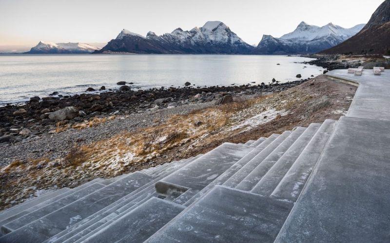 arquitectura_HZA baño Noruega_escaleras