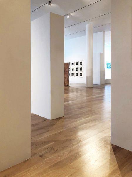 Arquitectura_ICA_Miami_suelo y techo de sala exposición