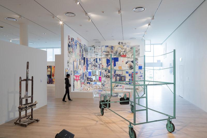 Arquitectura_ICA_Miami_ vista de sala de exposición cuadros