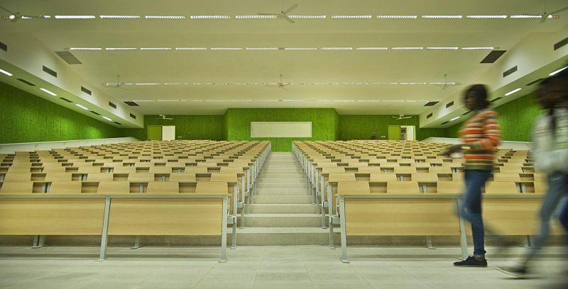 arquitectura_IDOM_universidad Senegal_sala conferencias