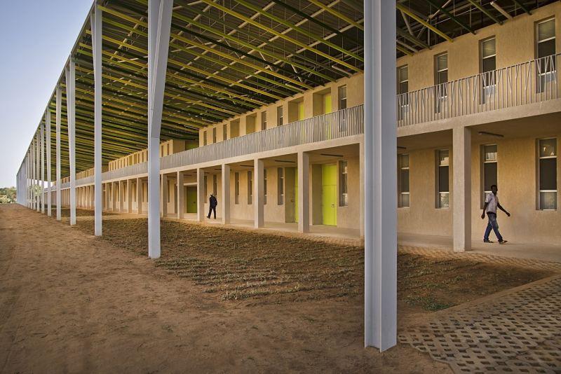 arquitectura_IDOM_universidad Senegal_corredor