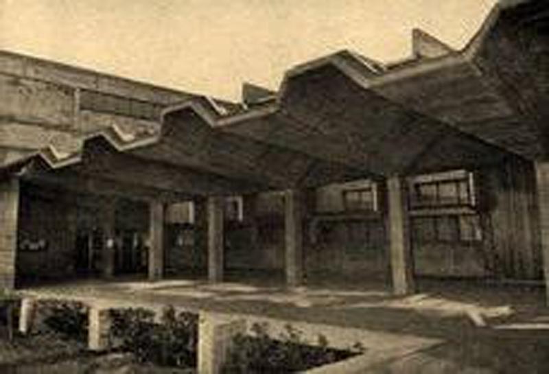 Arquitectura_IESSorolla_Valencia_ zona accesos
