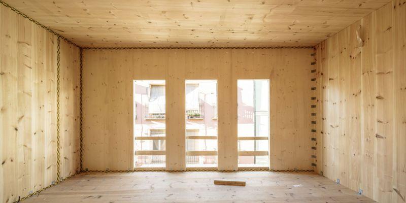 arquitectura impacto cero b720 fermin vazquez arquitectos edificio buenavista fotografia interior en construccion clt balcones