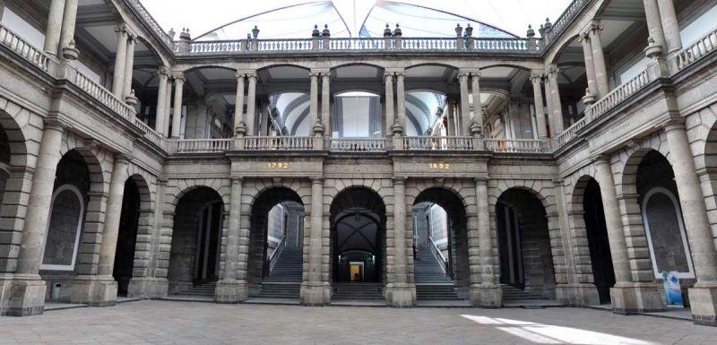 james bond spectre 007 localizaciones de rodaje mexico palacio mineria foto patio