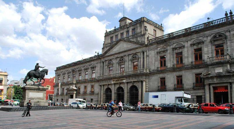 james bond spectre 007 localizaciones de rodaje mexico palacio mineria foto fachada principal