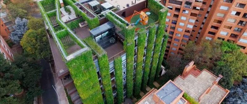arquitectura, arquitecto, diseño, design, jardín vertical, coloso, Ignacio Solano, biólogo, botánico, Bogotá, Colombia, Iberoamérica, Sudamérica, edificio, verde, sostenible