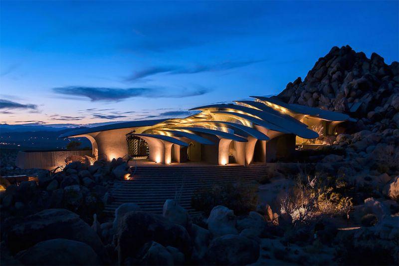 arquitectura high desert house Kendrick Bangs Kellogg fotografía de lance gerber exterior  nocturna