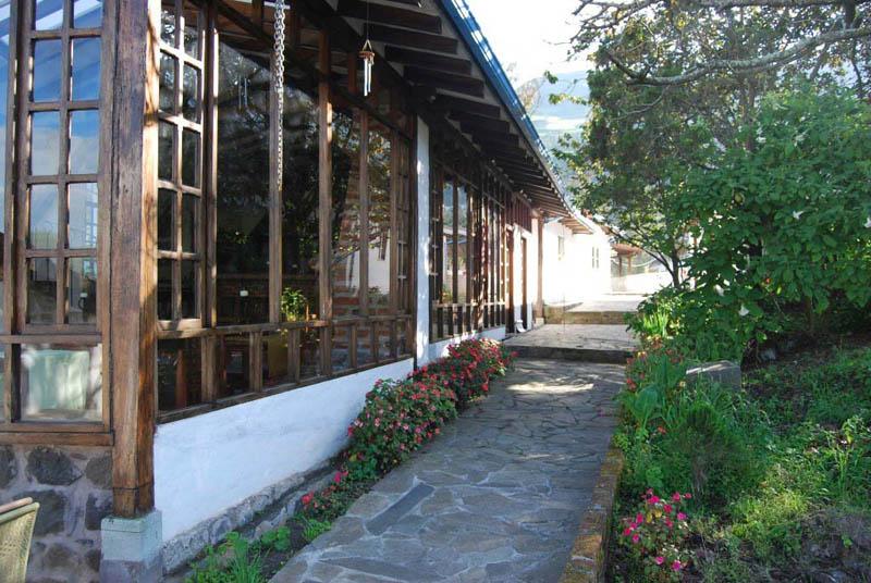 Arquitectura _ la quinta_  ecuador_antigua chanchera y corredor