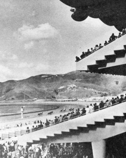 Arquitectura_la rinconada_imagen antigua de las tribunas