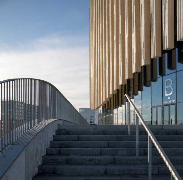 arquitectura accoya madera estructural fachada proyecto copenhague royal arena detalle acceso