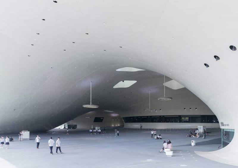 arquitectura mecanoo centro nacional arte kaohsiung fotografía iwan baan espacio cubierto