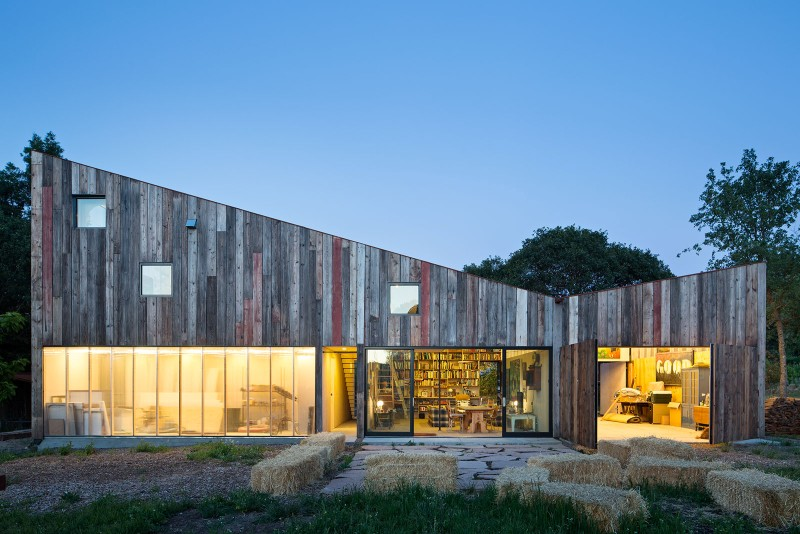 arquitectura_Meier-Road-Barn-by-Mork-Ulnes-Architects_materialidad