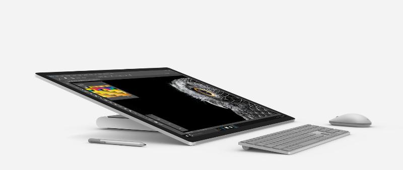 arquitecto, arquitectora, diseño, design, diseñador, designer, Microsoft, tecnología, materiales, dibujo, mano alzada, Microsoft Surface Studio, tablet, ordenador, lápiz, programa, 3D, renderizado