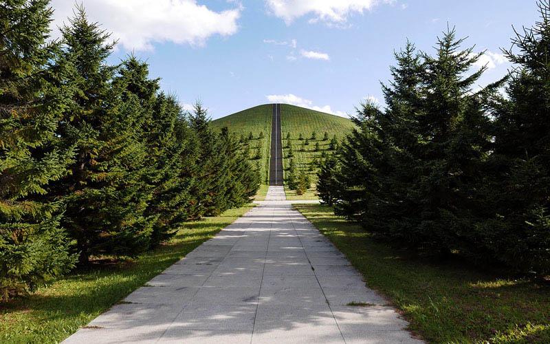Arquitectura_ Isamu Noguchi_ Moerenuma Park in Japan
