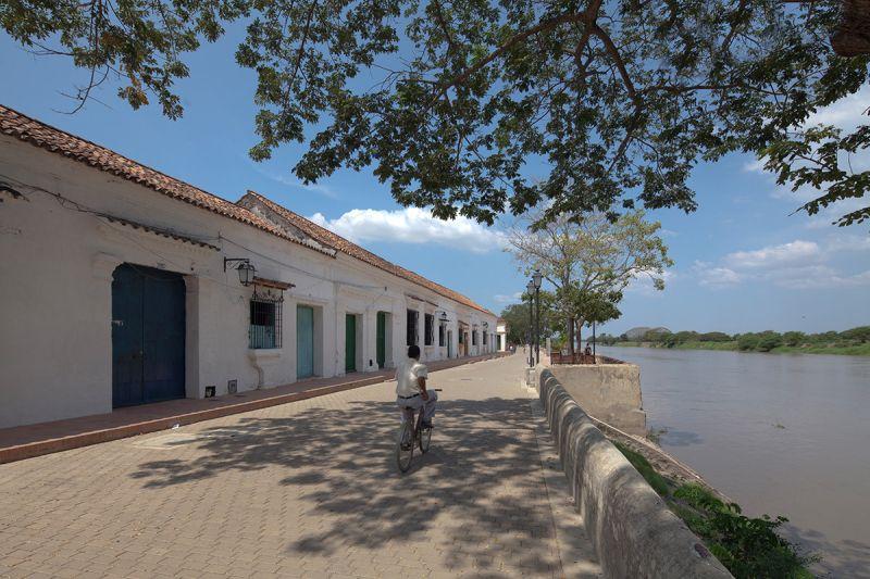 Arquitectura_MOMPOX-Albarrada_imagen  rio y portales_de_San_Rafael