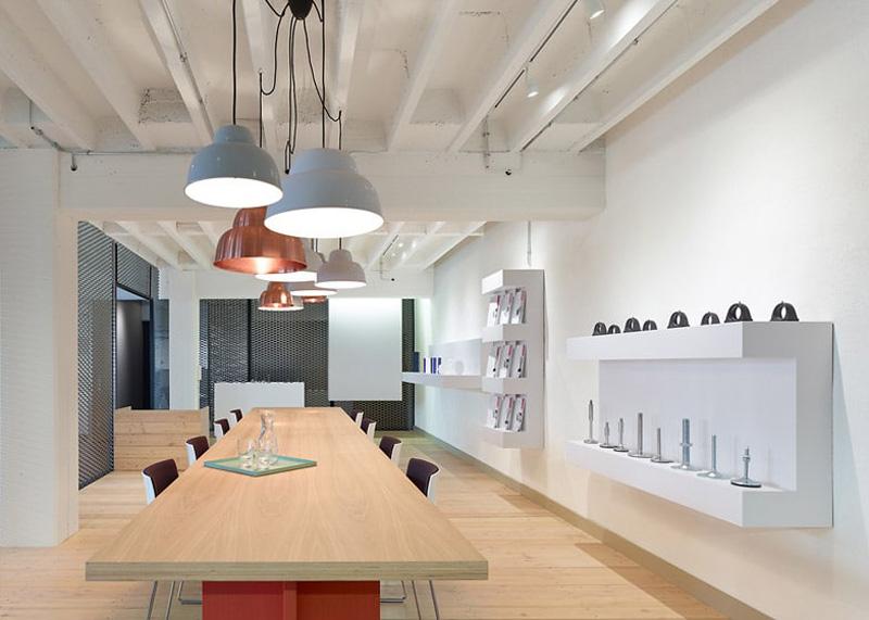 muebles de oficina montiel arquitecturayempresa fotografía Oficina Loft en la ciudad de Schorndorf