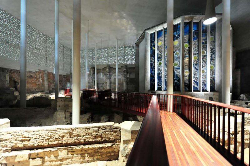 Interior de Museo Kolumba (planta 0), Peter Zumthor. Fotografía de José Fernando Vázquez