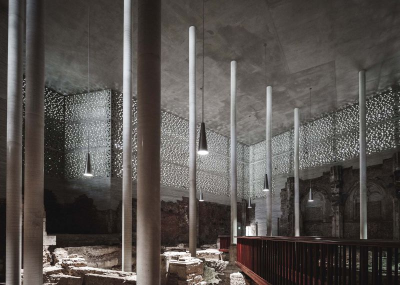 Interior de Museo Kolumba (planta 0), Peter Zumthor. Fotografía de COAST Studio