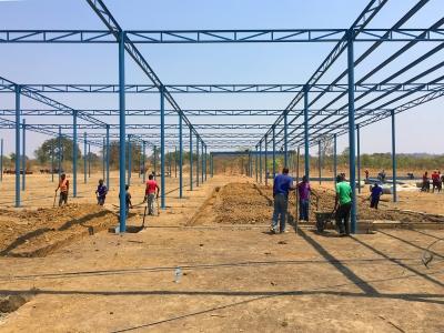 arquitectura_mwabwindo school_construcción local 1