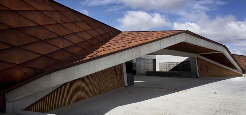 arquitectura bodegas portia grupo faustino Foster and Partners imagen exterior alero
