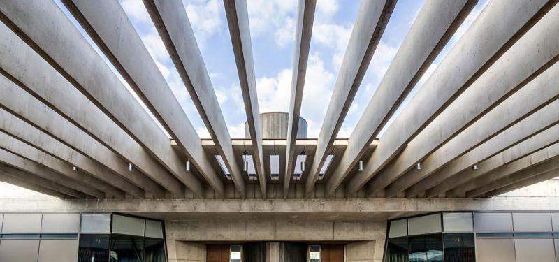 arquitectura bodegas portia grupo faustino Foster and Partners imagen interior pérgola