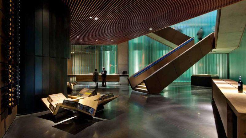 arquitectura bodegas portia grupo faustino Foster and Partners imagen interior recibidor