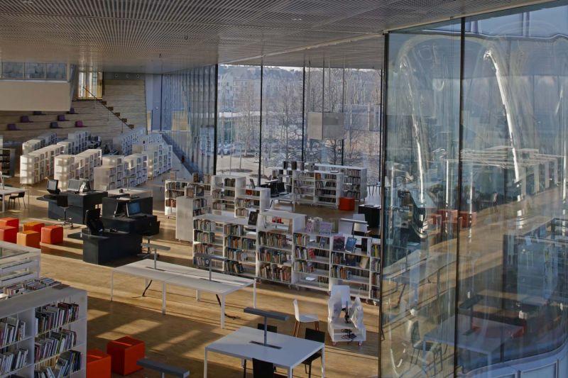 arquitectura OMA_biblioteca Caen_muro cortina_Philippe Ruault