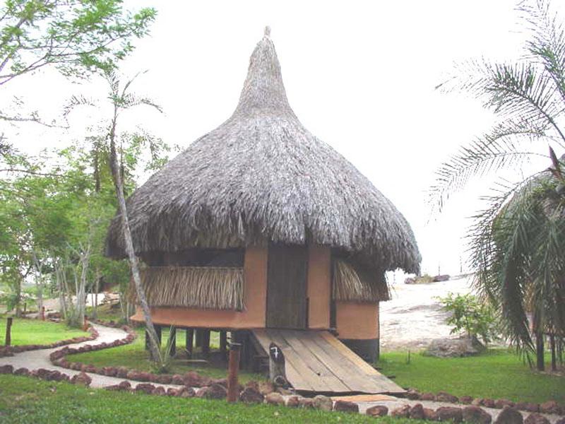 Arquitectura_Orinoquia Lodge _ vista de churata tipica original