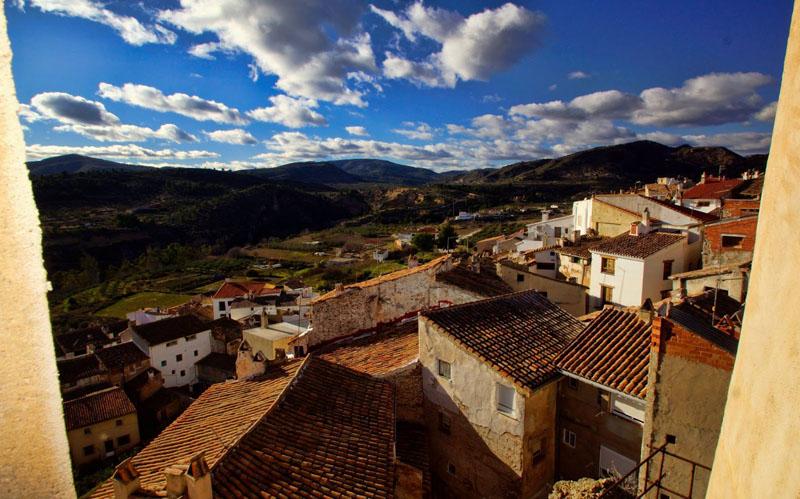 Arquitectura vista de la población  de Chelva