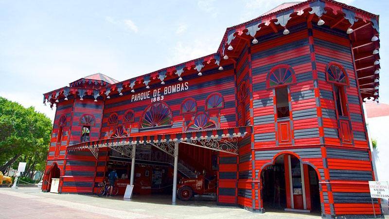Arquitectura_Parque de Bombas de Ponce_ vista frontal