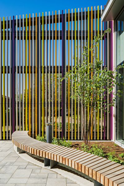arquitectura_Perkins_Will_Albion_Library_patio