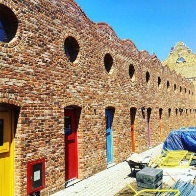 arquitectura_Peter Barber_Micro Homes_fachada escorzo