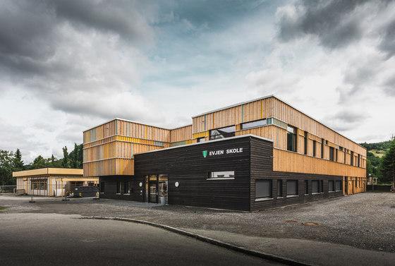 arquitectura_PIR II_new evjen school-architonic_conjunto