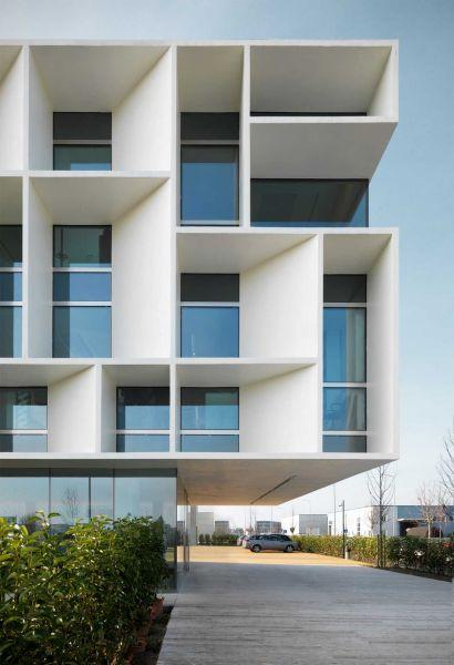 Sede Bentini Piuarch arquitecturayempresa fotografia exterior fachada brise soleil
