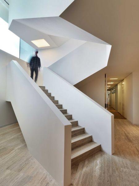 Sede Bentini Piuarch arquitecturayempresa fotografia escalera