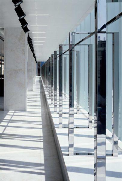 Centro comercial coop.fi en Arezzo Piuarch arquitecturayempresa fotografia interior bastidores