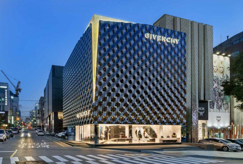 Givenchy Flagship Store Piuarch arquitecturayempresa fotografia nocturna