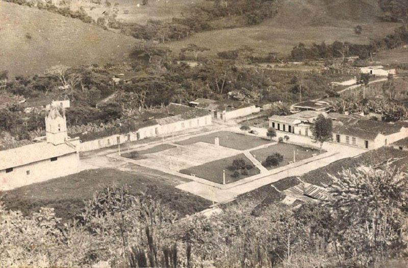 Arquitectura_Potosi_pueblo sumergido_imagen antigua