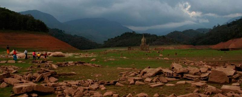 Arquitectura_Potosi_pueblo sumergido_ruinas