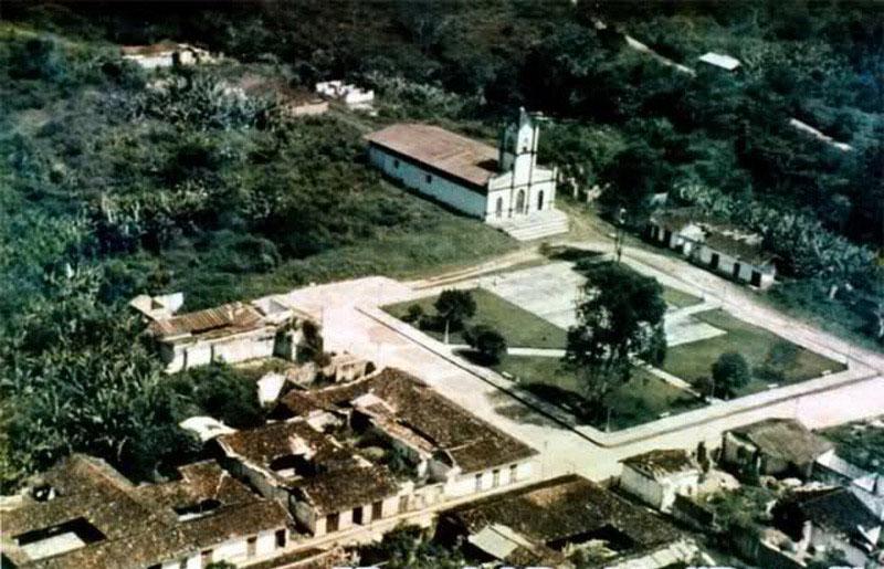 Arquitectura_Potosi_pueblo sumergido imagen aérea antes de inundación