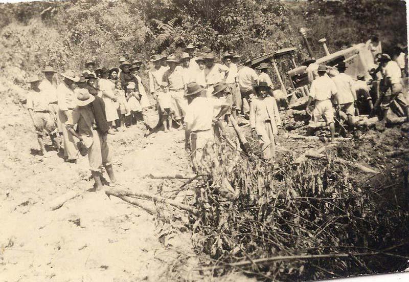 Arquitectura_Potosi_pueblo sumergido_ imagen pobladores 1958
