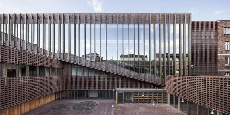 arquitectura Departamento de televisión y radio de la Universidad de Silesia en Katowice, Polonia. Estudio BAAS. Fotografía de Adrià Guola