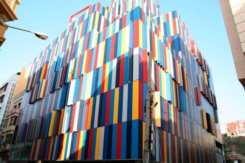 """Edificio """"Pret a porter"""" en Ceuta"""
