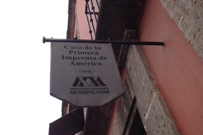 Arquitectura_ Primer Imprenta en América _señalética lateral