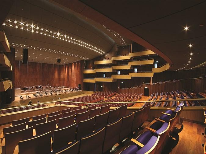 arquitectura Architects 49 Limited auditorio Prince Mahidol Hall fotografia butacas sala