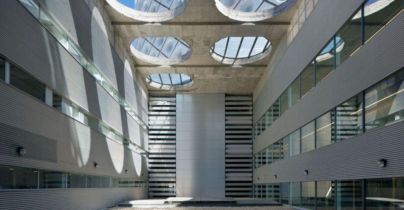 arquitectura Rafael de la Hoz Hospital Universitario Rey Juan Carlos patio interno