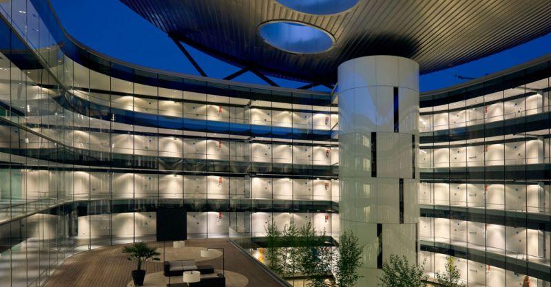 arquitectura Rafael de la Hoz Hospital Universitario Rey Juan Carlos patio nocturno